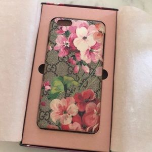 Gucci iPhones 8 plus case🌸